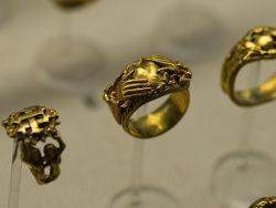 К чему снится золото, золотое кольцо, цепочка, украшения?