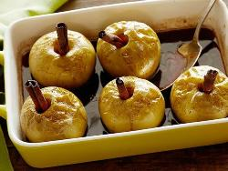 запеченые яблоки с корицей