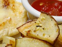 картошка обжаренная с кетчупом