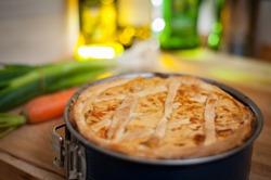 пирог с капустой в разборной форме для выпечки