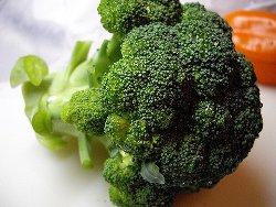 Как варить брокколи замороженную и свежую{q}