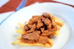 картошка с курицей под соусом