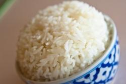 рисовый шарик в пиале