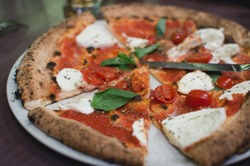 Быстрая пицца в духовке за 10 минут