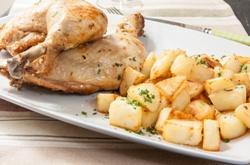 Как приготовить курицу с картошкой в духовке - рецепты приготовления