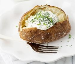 Картошка со сметаной в духовке - рецепт