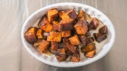 Картошка запеченная в фольге в духовке - рецепты приготовления