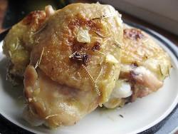 Как вкусно запечь куриные бедра в духовке - пошаговые рецепты