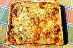 Пицца из слоеного теста в духовке - вкусные рецепты