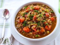Как варить гречневый суп с мясом и без?