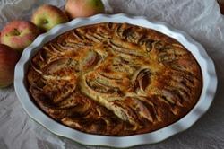 Шарлотка с яблоками в мультиварке - рецепт приготовления